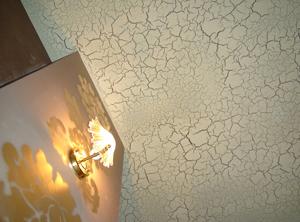 Эффект кракелюр на стене